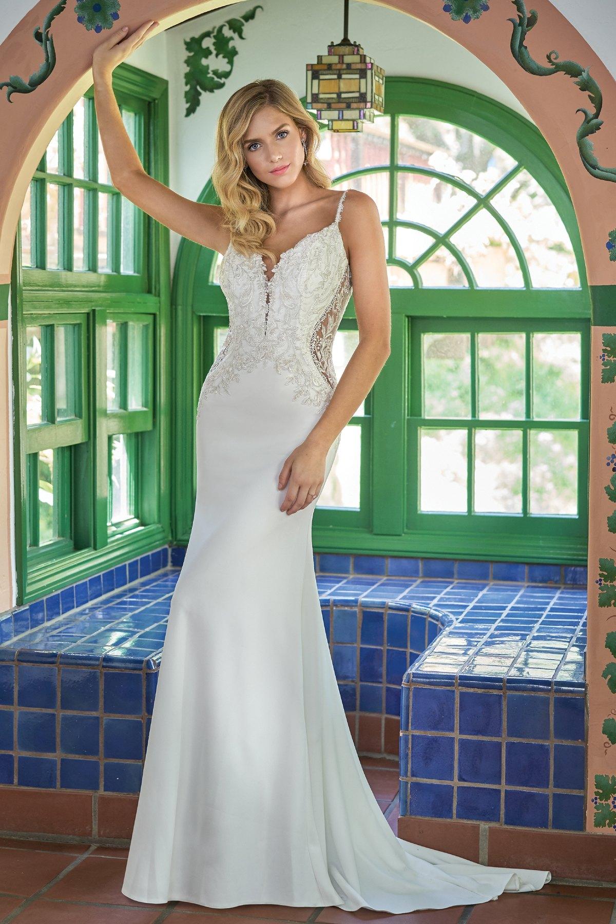 bridal-dresses-F211002-F